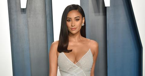 shay mitchell normalize prenatal depression