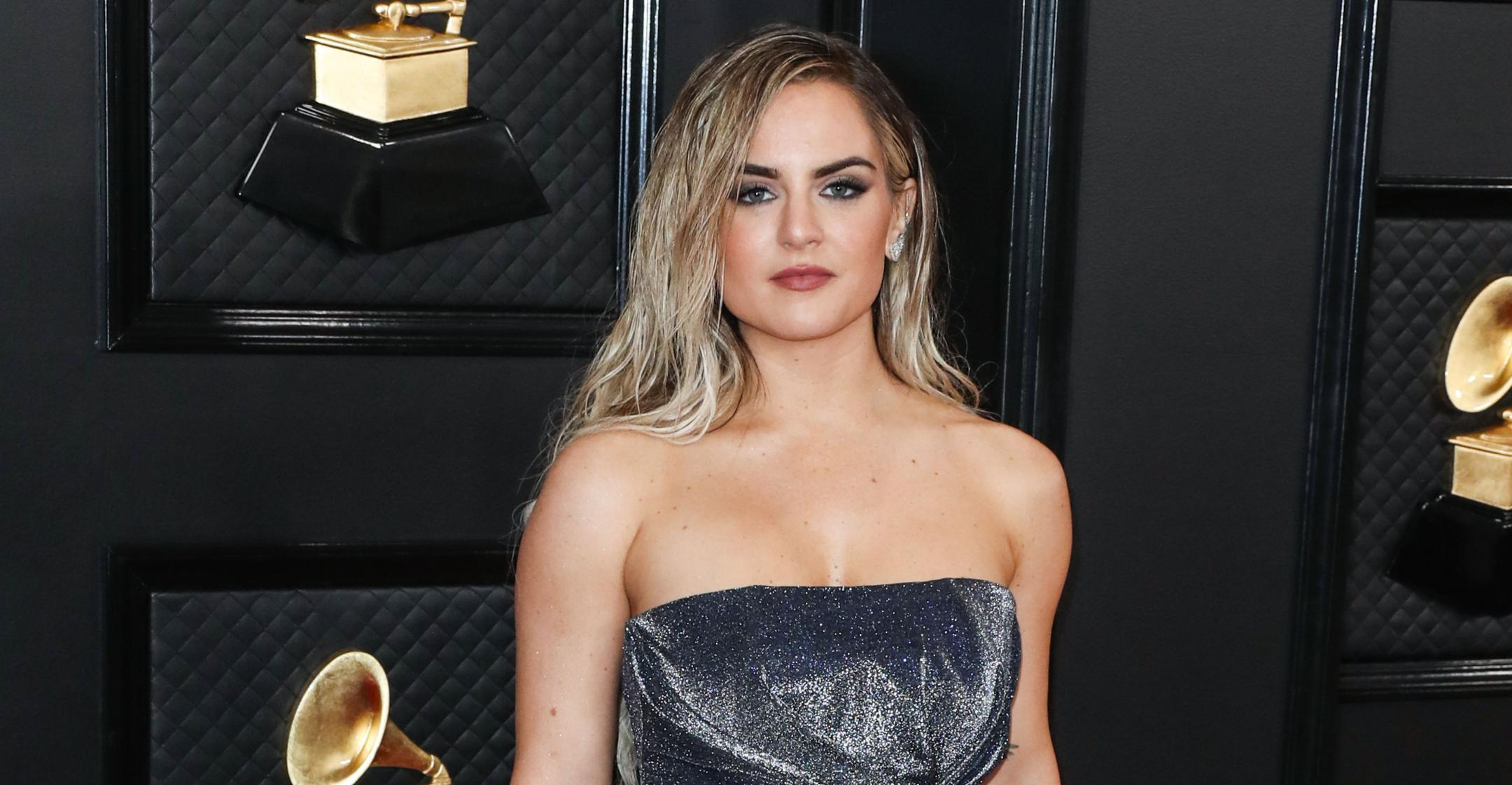 singer jojo reveals the masked singer helped conquer stage fright find confidence again