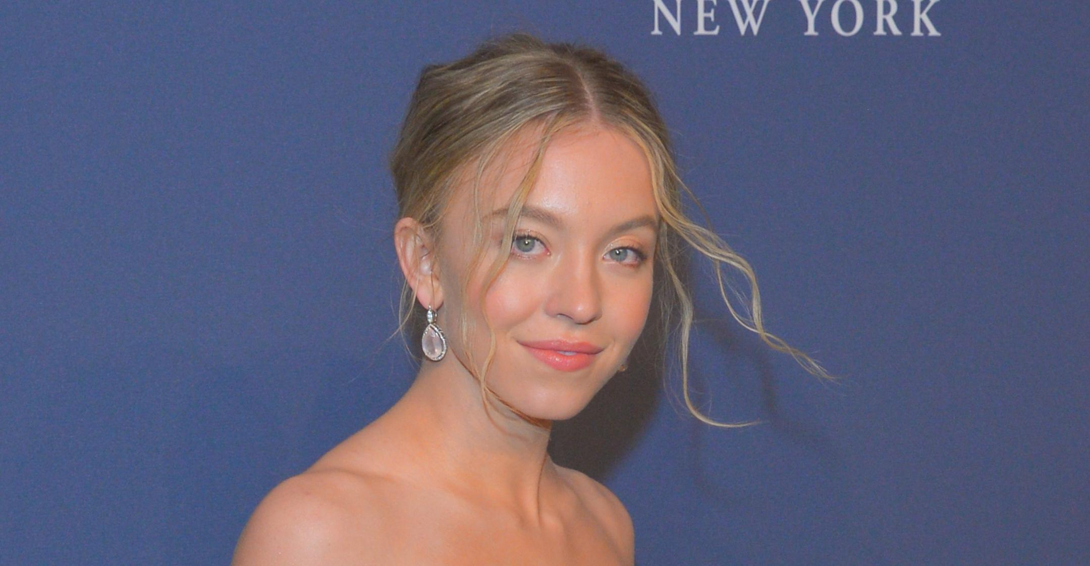 euphoria fan fave sydney sweeney relies on exfoliation personalized skincare blemish free