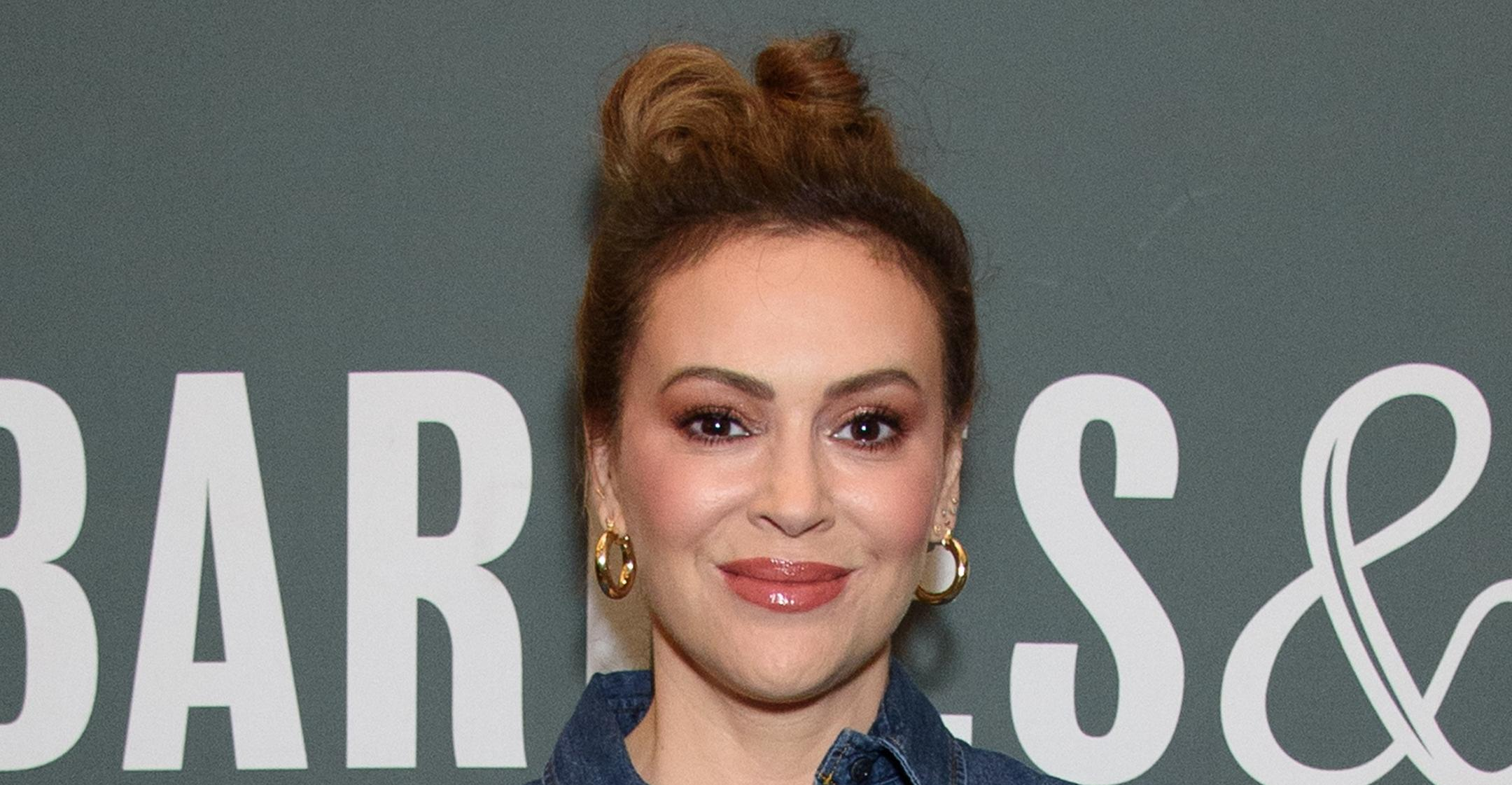 alyssa milano may run for congress in california help make the world a better place
