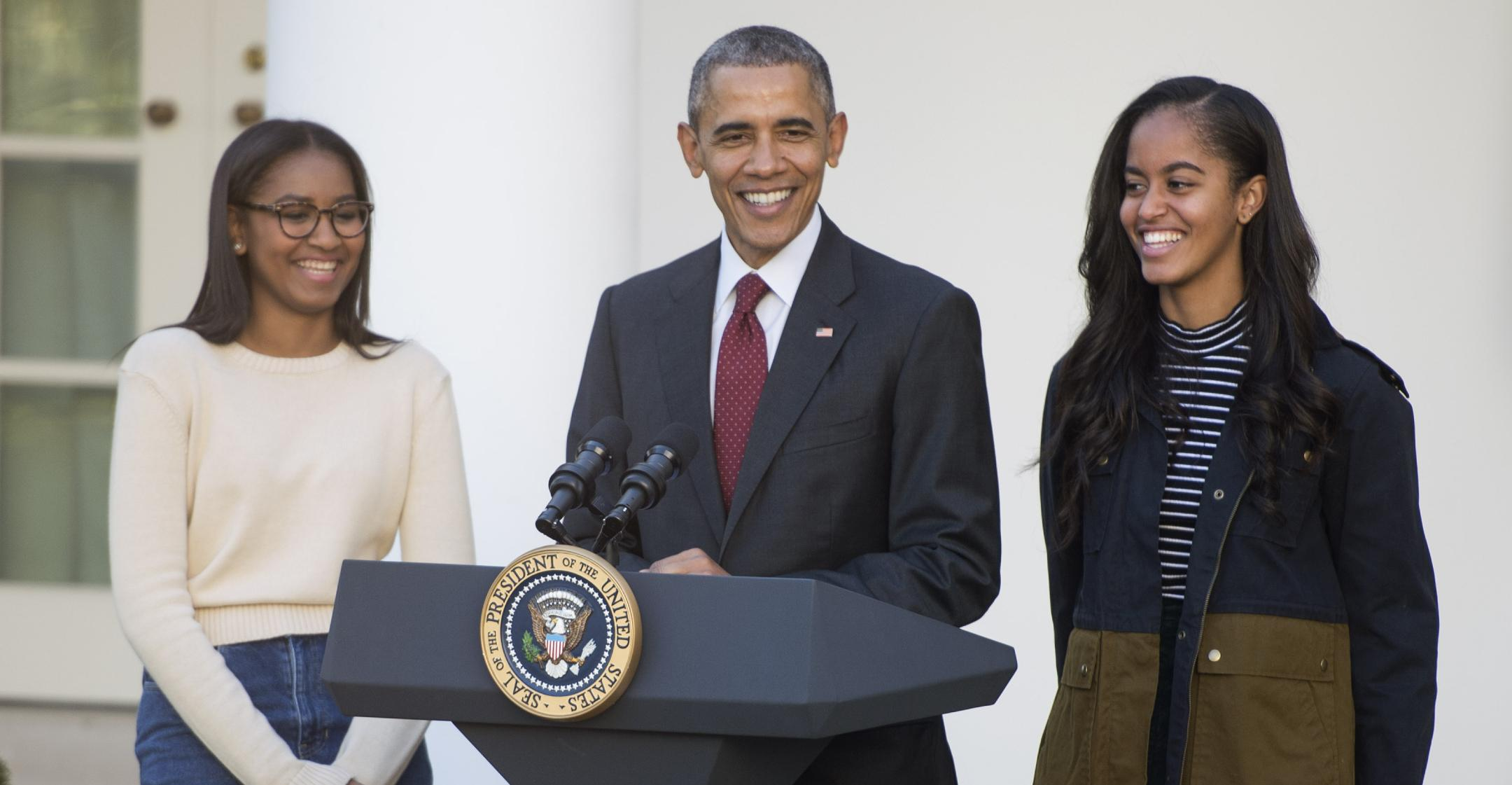 barack obama praises two daughters for their activism