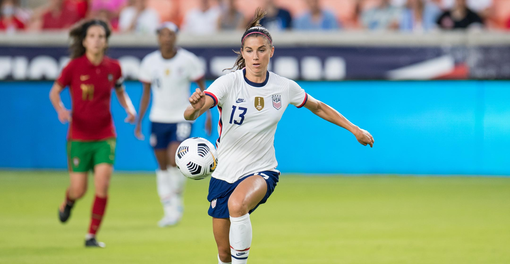 us womens soccer star alex morgan sharing workout routines